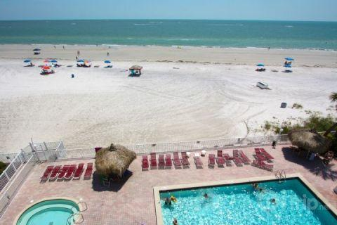 Spectacular view from the 4th floor corner unit - 408 - Sea Breeze - Madeira Beach - rentals