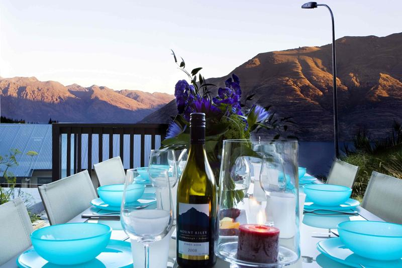 Outside dining - Dart Haven - Queenstown - rentals