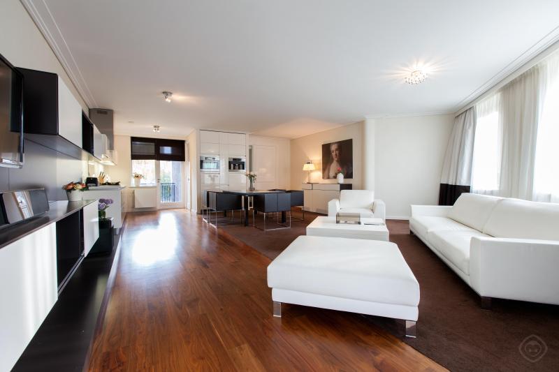 Living Room 60m2 - Visseringstaete luxury apartment-canal view - Amsterdam - rentals
