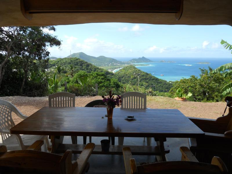 dining table/where it all happens - No Worries - Carriacou - rentals