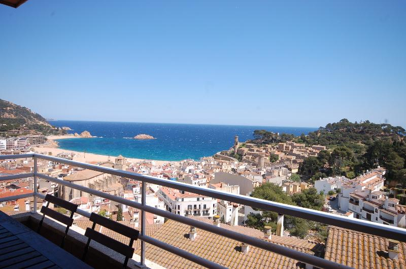 Apartment with sea views Tossa de Mar -Costa Brava - Image 1 - Tossa de Mar - rentals