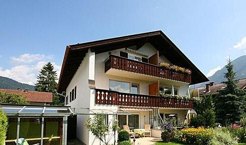 LLAG Luxury Vacation Apartment in Farchant - bright, comfortable, alpine (# 3237) #3237 - LLAG Luxury Vacation Apartment in Farchant - bright, comfortable, alpine (# 3237) - Farchant - rentals
