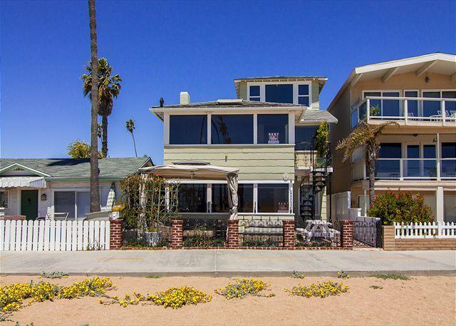 Spectacular 3 Story Oceanfront 7 Bedroom, 7 Bathroom Property! (68331) - Image 1 - Newport Beach - rentals