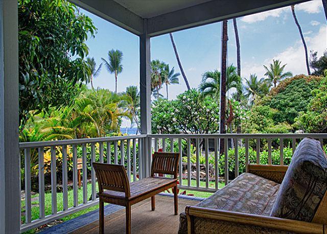 Upscale 3 bedroom bungalow in oceanfront estate - Image 1 - Kailua-Kona - rentals
