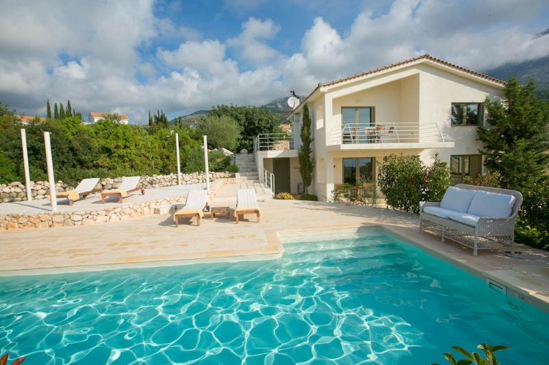 2 Bedroom Grand Villa Xteni - Image 1 - Trapezaki - rentals