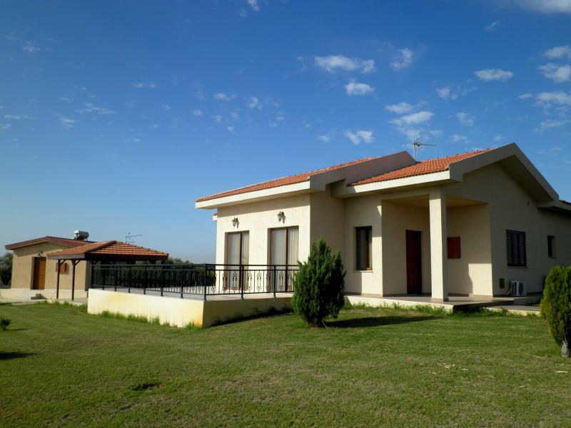 Palm trees villa - Palm trees villa with 4 bedrooms & swimming pool - Maroni - rentals