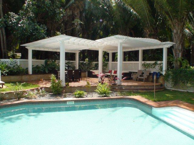 Relax by the pool - Paradise Found - 3 bed 3 bath Luxurious Comfort! - Roatan - rentals