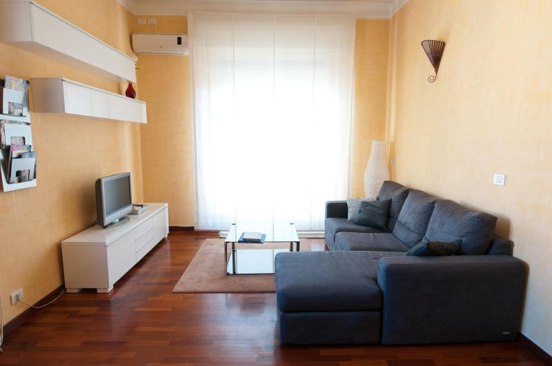Living room - Great apartment in central Rome - AC, WIFI, SKY TV - Rome - rentals