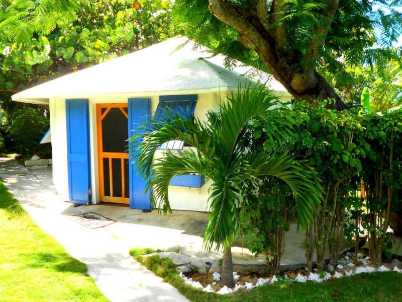 Starfish Cottage, Eleuthera, Bahamas - STARFISH - Waterfront w/ PooL, Eleuthera, Bahamas - Gregory Town - rentals