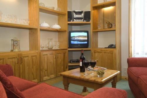 WATERHEAD APARTMENT B (Swimming Pool), Ambleside - Image 1 - Ambleside - rentals