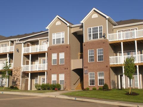 Exterior Building 2 - Furnished 1-Bedroom Apartment in South Lexington - Lexington - rentals