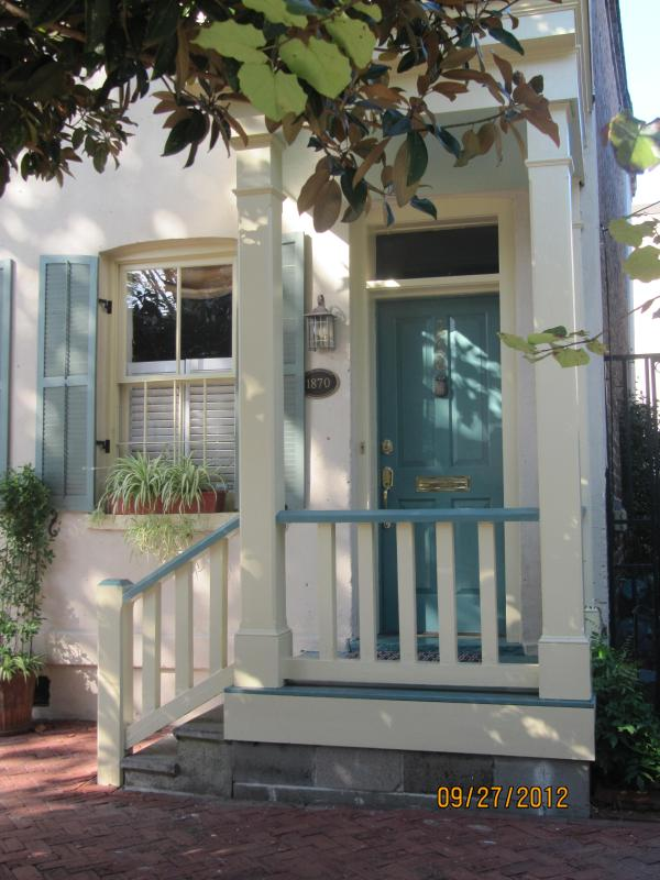 WELCOME - 1870 Historic District Townhouse - Savannah - rentals