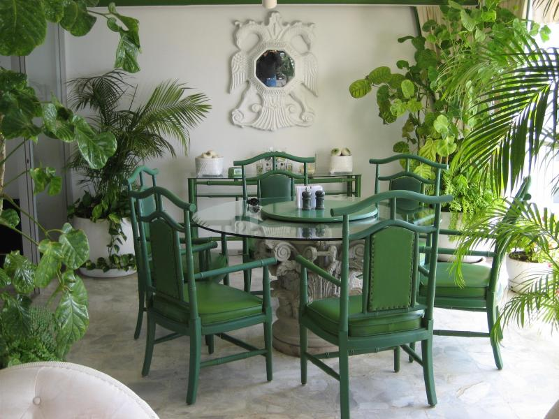 Dining seats 6 - ACAPULCO LUXURIOUS BEACHFRONT  FREE WIFI & PHONE - Acapulco - rentals
