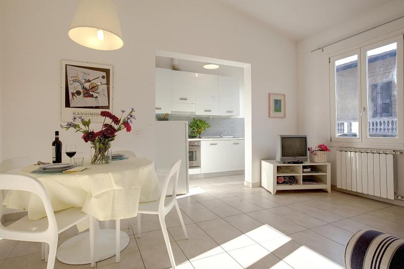 1 Bedroom Vacation Apartment Rental in Florence - Image 1 - Florence - rentals