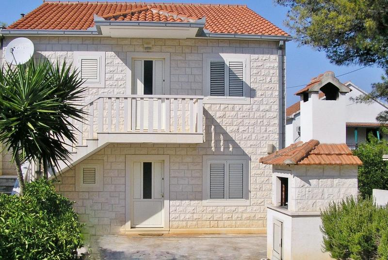 Beautiful apartment for rent (5+1 person) - Image 1 - Supetar - rentals