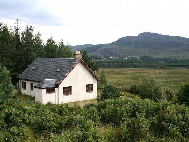 View towards the property - IN515 - Crathie - rentals