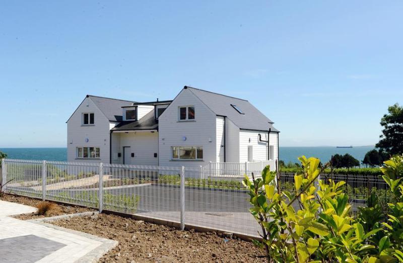 Luxury Beach Front Apartment Overlooking Golf Course - Image 1 - Belfast - rentals