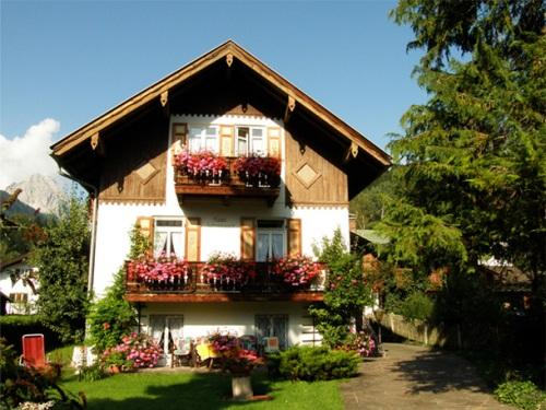Vacation Apartment in Mittenwald - 538 sqft, central, quiet, ideal (# 3253) #3253 - Vacation Apartment in Mittenwald - 538 sqft, central, quiet, ideal (# 3253) - Mittenwald - rentals