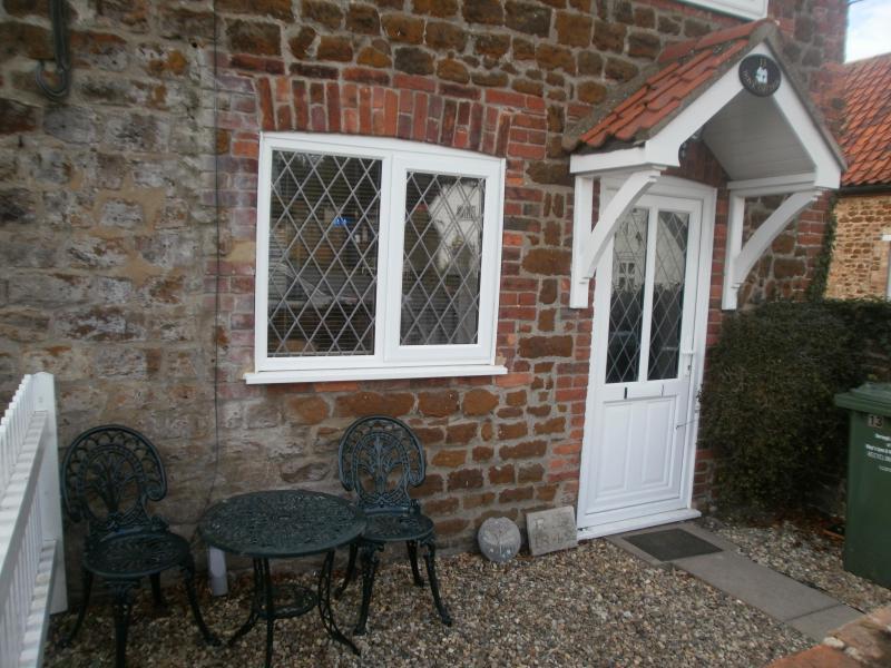 Dove Cottage Front and Garden - Dove Cottage, Snettisham, Norfolk - Snettisham - rentals