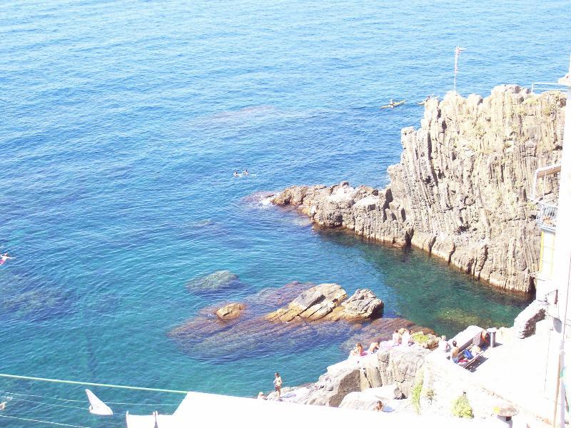 VIEW FROM THE BALCONY - IN THE CINQUE TERRE, NEAR THE SEA - Riomaggiore - rentals