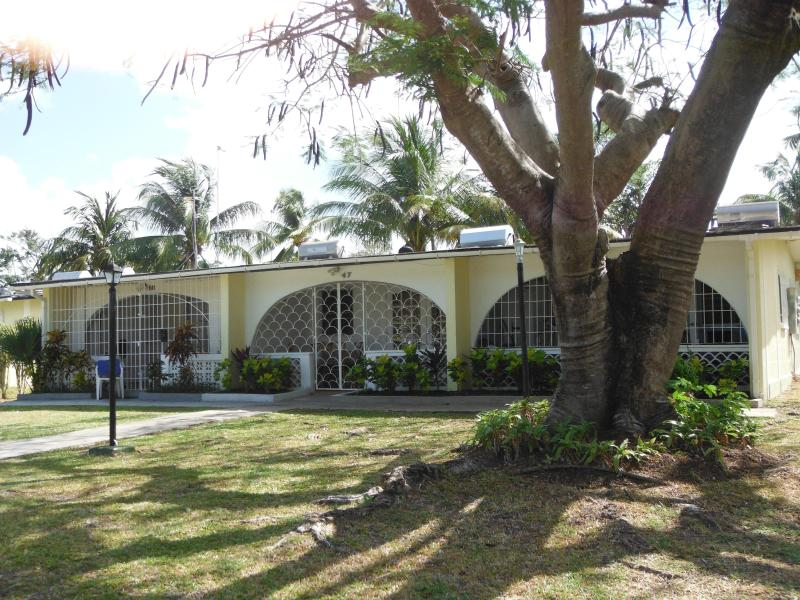 1 bedroom condo Sunset Crest Barbados near beach - Image 1 - Sunset Crest - rentals