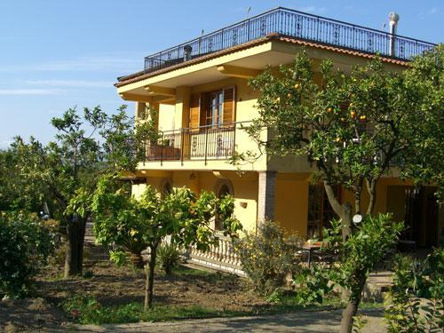 5 Bedroom villa with private pool near Sorrento - Image 1 - Naples - rentals