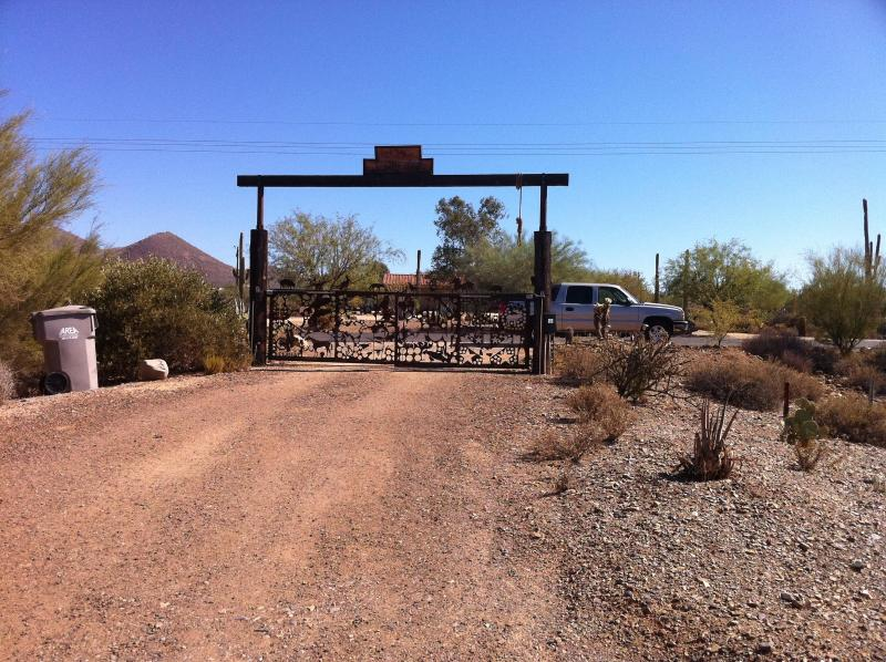 Ranch Entrance fro Schoolhouse Road - Lucky 8 Arizona Ranch Style Villa - Cave Creek - rentals