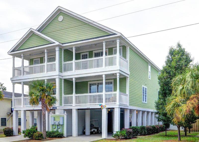 Tiki Time - Surfside Beach Luxury! Steps to Beach, Private Heated Pool, Golf Cart - Surfside Luxury Walk to Beach, Private Heated Pool - Surfside Beach - rentals