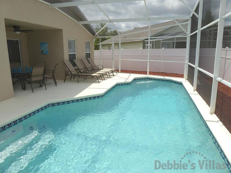 Private pool with alfresco dining and sun loungers - 5 Bed Single Storey Private Florida Villa - Clermont - rentals