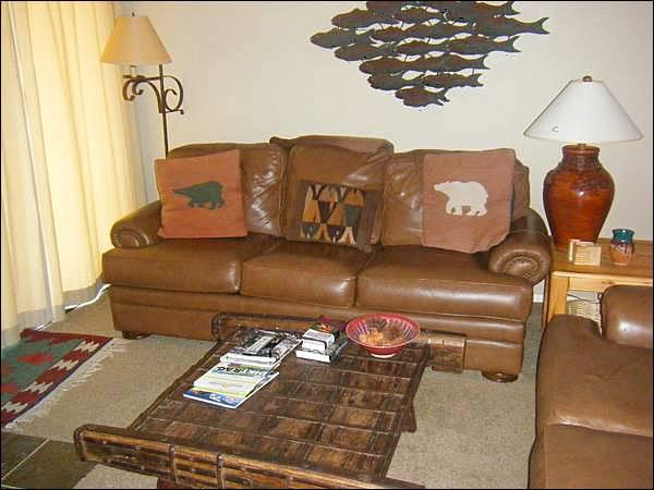 Beautiful Rustic Decor Throughout - Welcoming Vacation Property - Open Layout (1262) - Crested Butte - rentals