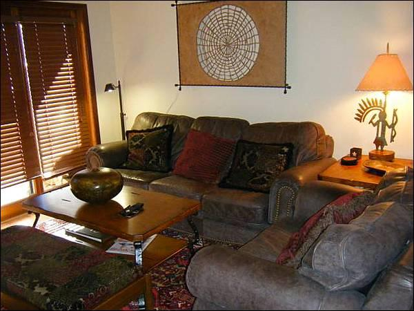 Beautiful Living Room Includes a Flat-Screen TV and Fireplace - Charming and Cute Condo - One Block from the Shuttle Stop (1276) - Crested Butte - rentals