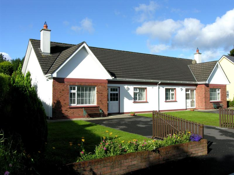 2 Dromhall Heights - Cottage ajacent  Killarney town and  National Park - Killarney - rentals