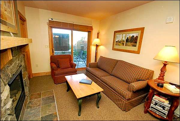 Cozy Living Room - Views of Slopes - Walk to Restaurants and Shopping (7046) - Keystone - rentals