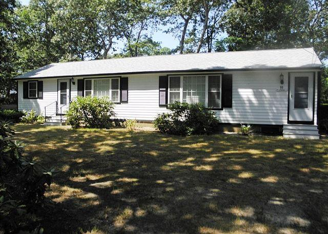 90 OAK RIDGE RD., EASTHAM - Eastham near Cooks Brook Beach on Cape Cod Bay with Central A/C! - Eastham - rentals