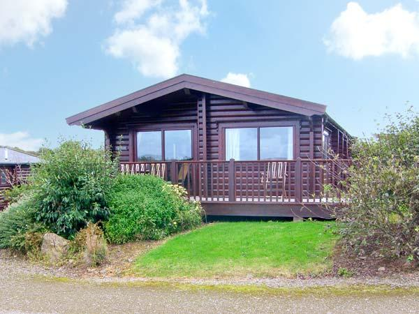 TY PREN, pet friendly cabin, close coastal path, veranda and grounds, Llanrhian near St Davids Ref 19630 - Image 1 - Saint Davids - rentals