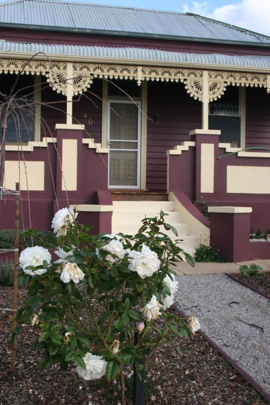 Cottage front from the Street - Blue Diamond Cottage - - Maryborough - rentals