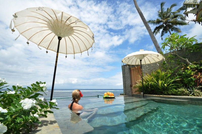 Beautiful infinity pool overlooking the sea - just a few steps away from fantastic snorkelling - Luxury Beach House : Villa Nilaya, Candi Dasa - Candidasa - rentals