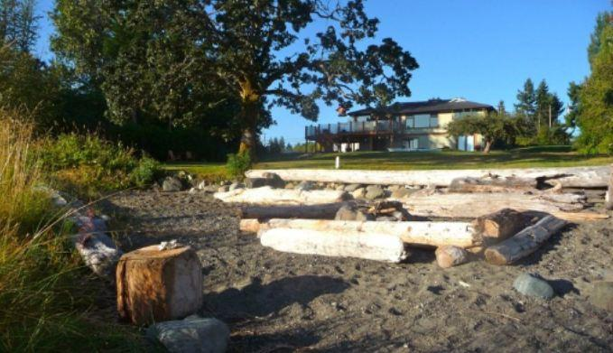 Fabulous 3 bdrm beach house mins to golf ski fish! - Image 1 - Courtenay - rentals