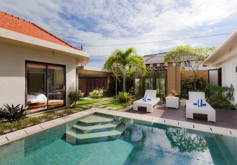pool - Villa Puteri, 3-bedroom modern and private villa - Kerobokan - rentals