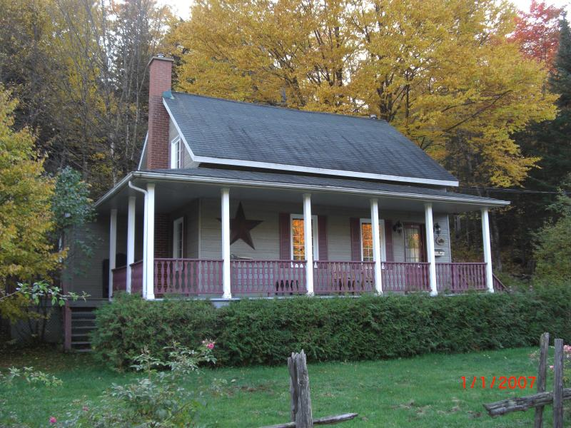 Peaceful country setting - Cozy cottage in Mont-Tremblant Old Village - Mont Tremblant - rentals