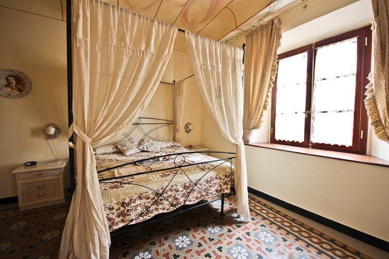 Wonderful 2 Bedroom Apartment in Tuscany - Image 1 - Florence - rentals