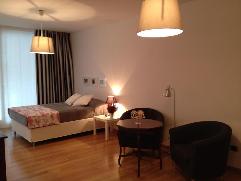 bedroom from the enter - Roma Trastevere Bettoni a quiet graceful apartment - Rome - rentals