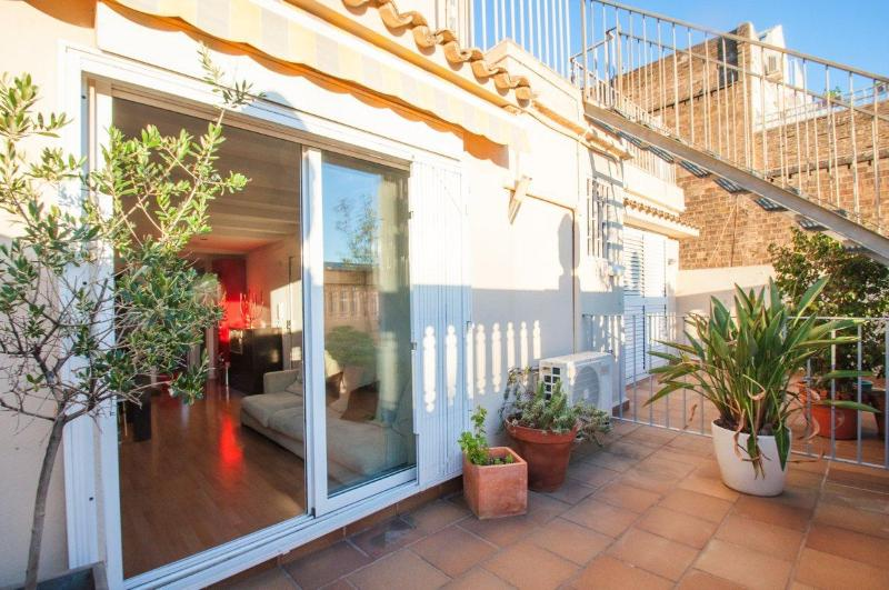 Cozy penthouse with 3 terraces - Image 1 - Barcelona - rentals