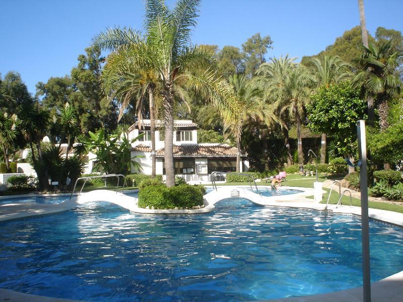 Main Pool - Beachside Penthouse in Marbella  Golden Beach - Elviria - rentals