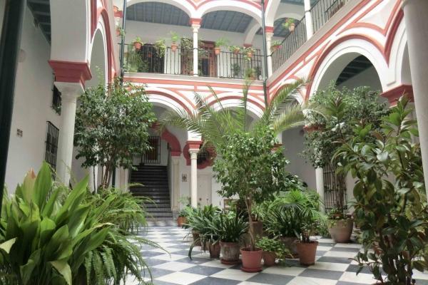 CR101SEV - Apartamento Casa Palacio vistas Giralda  WIFI - Image 1 - Seville - rentals