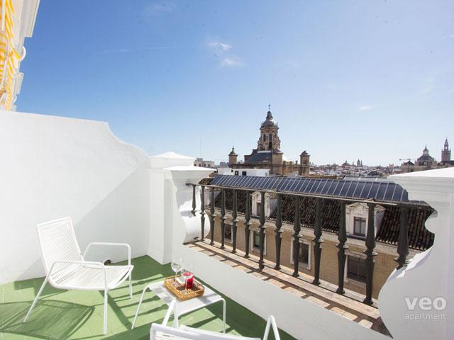 This 2-bedroom apartment features 2 private terraces with views. - Laraña 2. Central 2-bedroom for 6 with 2 terraces - Seville - rentals