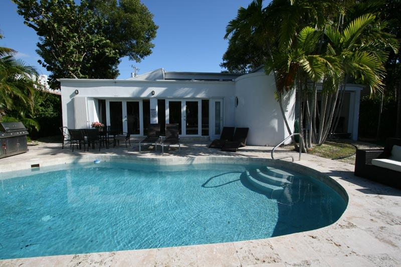 Villa Tropical, Promo: July 31st-Aug 8th $3443/wk - Image 1 - Miami Beach - rentals