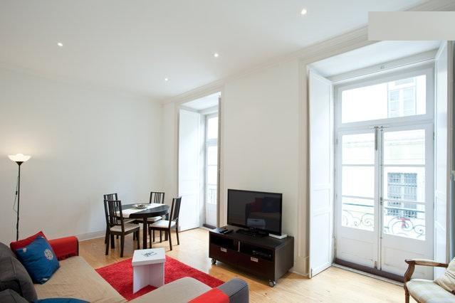 New! Lisbon City Centre Apartment - Image 1 - Lisbon - rentals