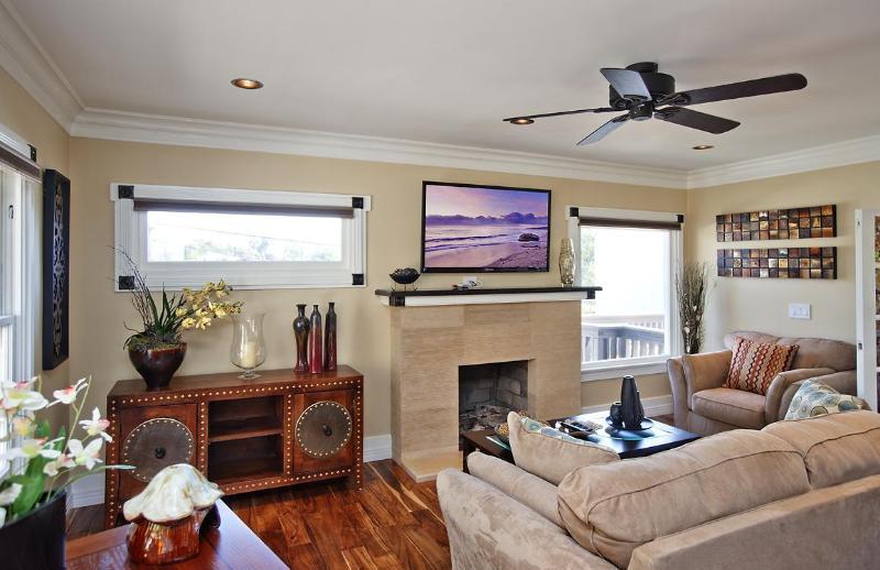Living Room - Cedar North Laguna-Remodeled-Heisler Park!! Availa - Laguna Beach - rentals