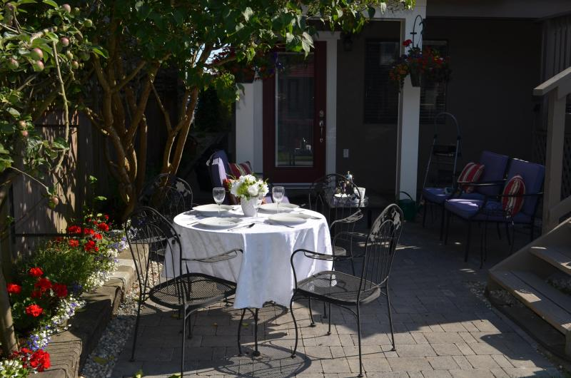 Entrance to Suite - Steveston Village 30min to Downtown Vancouver!! - Richmond - rentals